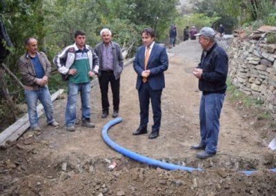 Büyükkırık Mahallesinde Beton Yol Çalışmalarına Başlanılmıştır.