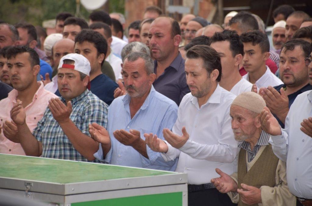 Nihat SÖNMEZ amcamızın Cenazesine Katıldık