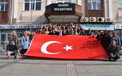 Barış Pınarı Harekatında Kahraman Mehmetçiğimizi desteklemek amacıyla, Cumhuriyet meydanında basın açıklaması yapıldı.