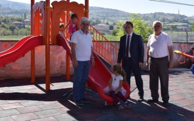 Yakakent Belediyesi Kurduğu  Oyun Parkları İle Çocukları Sevindiriyor