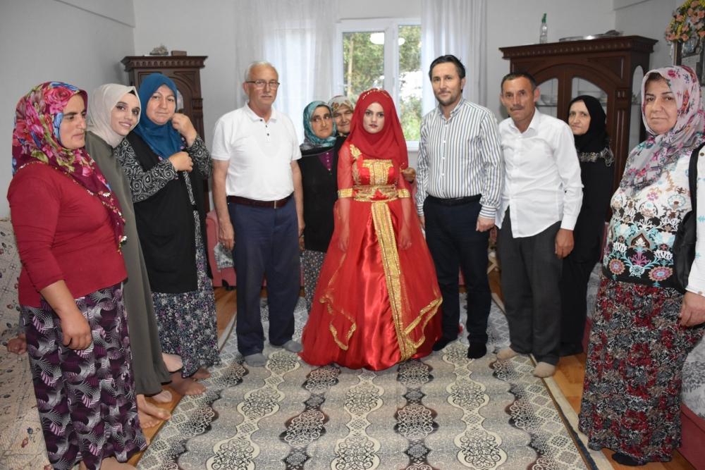 Rabiya ve Ümit Çiftinin Kına Düğünü Merasimine Katıldık