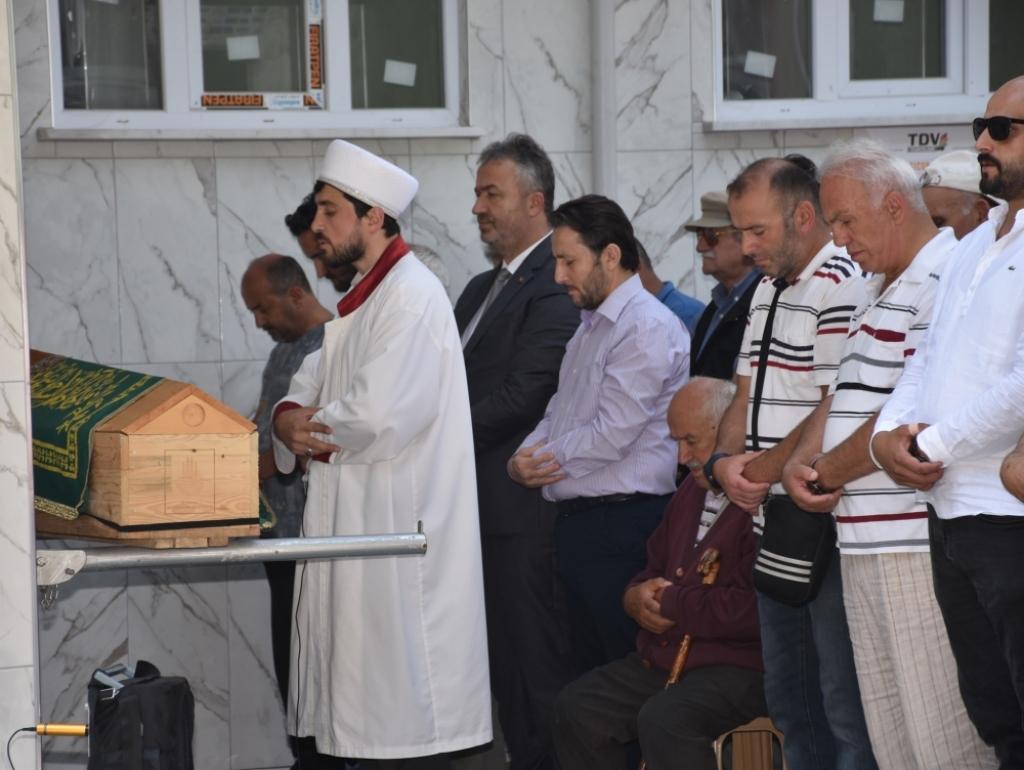 Ferhan ARAT Teyzemizin Cenazesine Katıldık