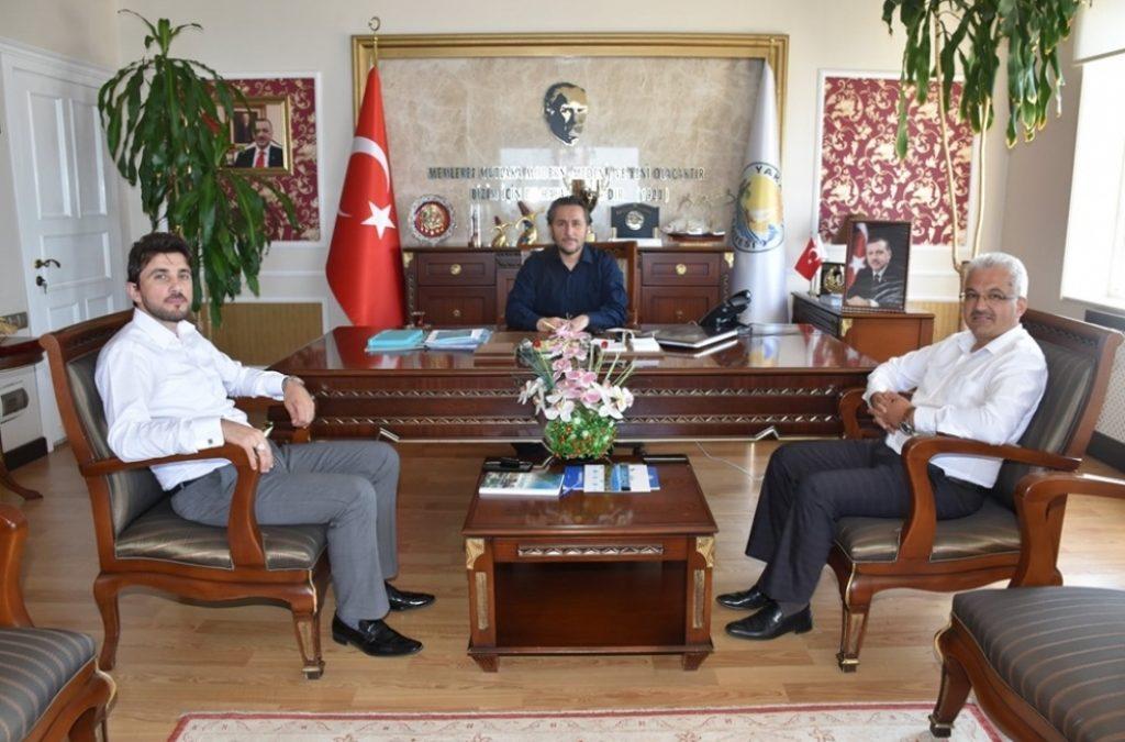 Yakakent İlçe Müftüsü Sayın Muhammet SALMAN Belediye Başkanımız Hüseyin KIYMA'yı Makamında Ziyaret Etti