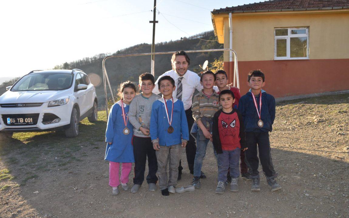 Okul Ziyareti Sahada Son Buldu.
