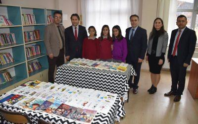 100.Yıl Ortaokulu Kütüphanesine Kitap Desteğinde Bulunduk