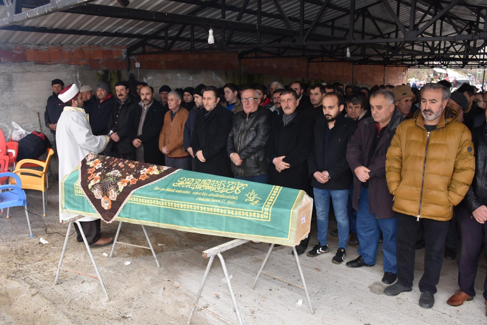 Vefat eden Ayşe Arslan'ın ailesine taziyede bulunduk.