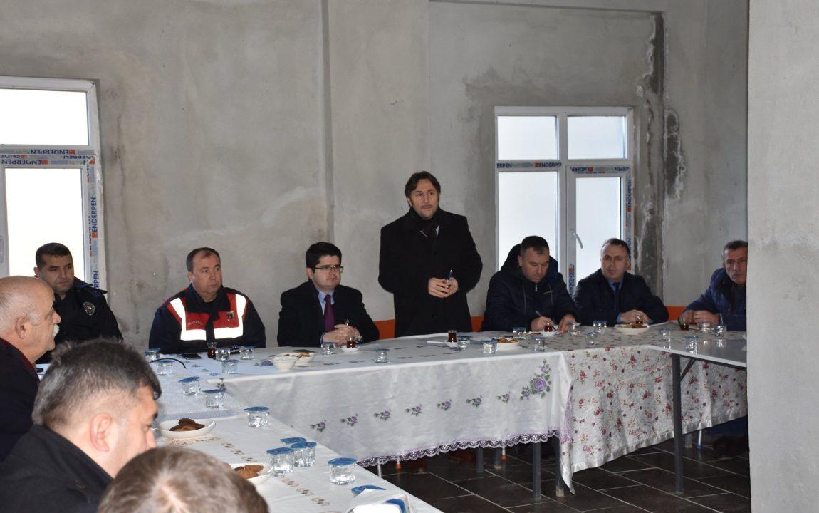 Kayalı Mahallesinde Halk Bilgilendirme Toplantısı Yapıldı.