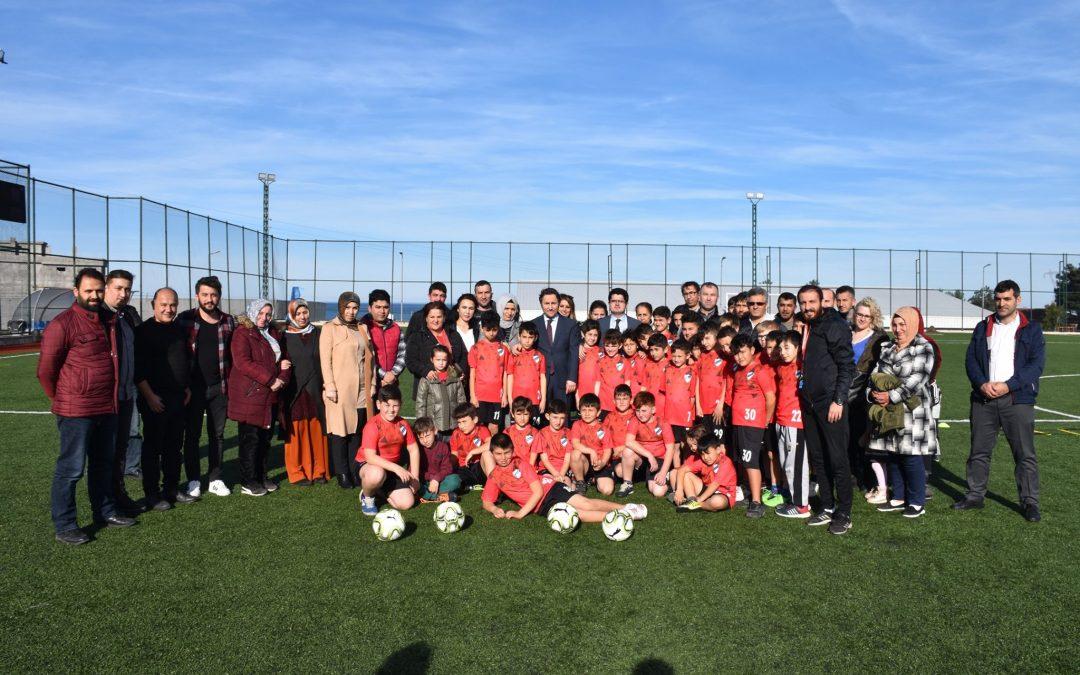 Belediye Başkanımız Hüseyin KIYMA,Futbol Kursuna Ziyarette Bulundu.