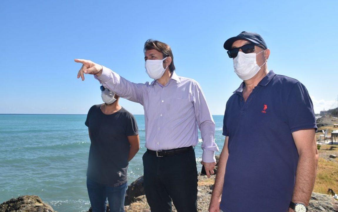 """Belediye Başkanımız Hüseyin Kıyma """"Yakakent Sahil Düzenleme"""" Projesinin İlhalesini Alan Firma Yetkilileri ile Birlikte İncelemelerde Bulundu."""
