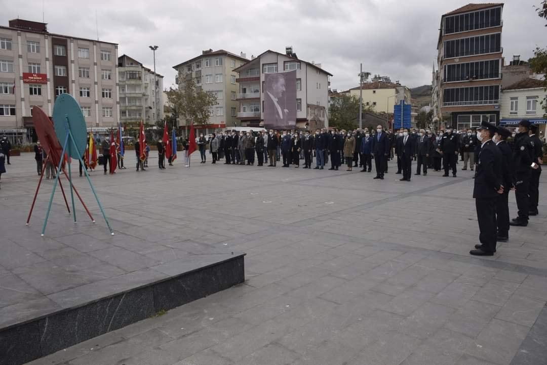 Cumhuriyetimizin Kurucusu Gazi Mustafa Kemal Atatürk'ün ebediyete intikalinin 82. yılında Yakakent'te anıldı.