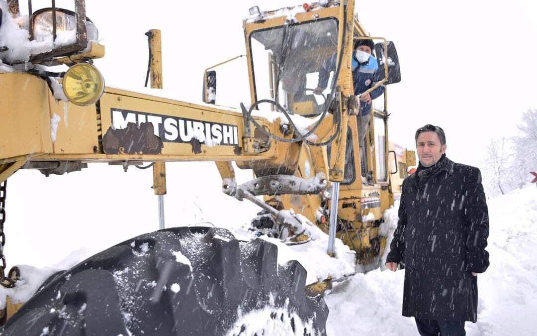 İlçemizde Kar ile Mücadele Aralıksız Sürdürülüyor