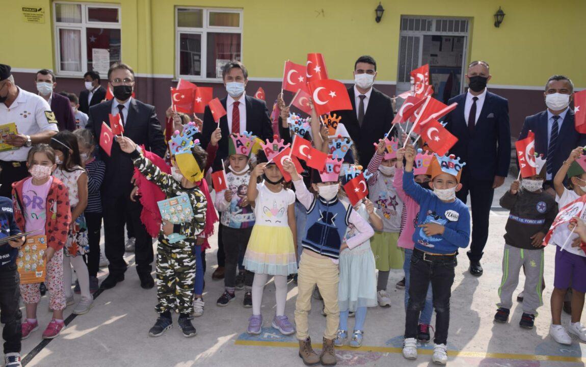 2021-2022 Eğitim Öğretim Yılı İlköğretim Haftası Dolayısıyla Kutlama Programı Düzenlendi